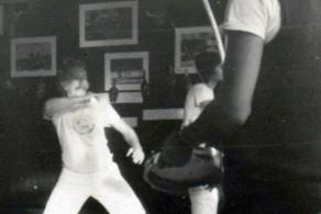 Um raro registro do Roberto Freire praticando capoeira